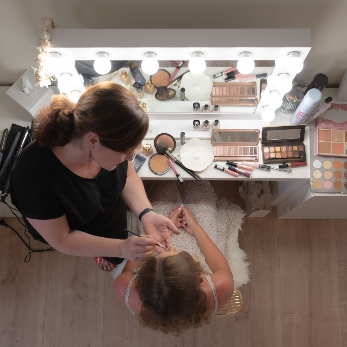 Braut Makeup und Umkleide